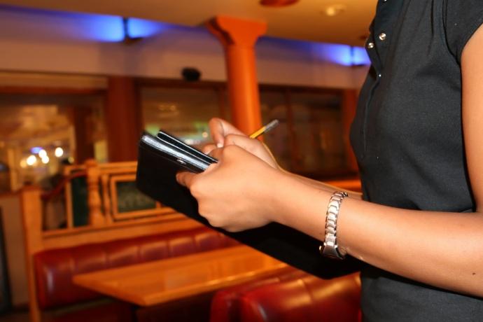 Meilleur service sur Abidjan, blog, blogger, food, foodie, classement, abidjan, côte d'ivoire, les meilleurs par serialfoodie, serialfoodie, critique culinaire, 2017